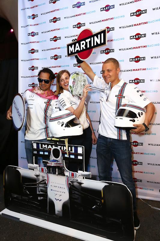 Фелипе Масса, Сьюзи Вольфф и Вальтери Боттас веселятся на мероприятии Martini Williams на Гран-при Сингапура 2014