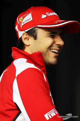 смеющийся Фелипе Масса на Гран-при Китая 2012
