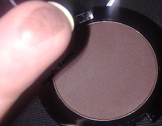MUA-Make-Up-Academy-Shade-19-Matte-Brown-Eyeshadow-Single-review-swatch-eyebrow-eyebrows