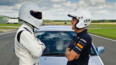 Себастьян Феттель лицом к лицу со Стигом из Top Gear 2011
