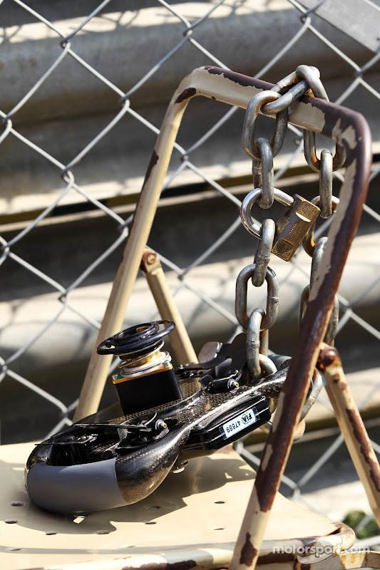 hulkenberg_steering_wheel_ita12.jpg