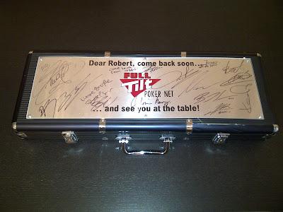 подарок Роберту Кубицу от друзей паддока - набор для покера Full Tilt Poker