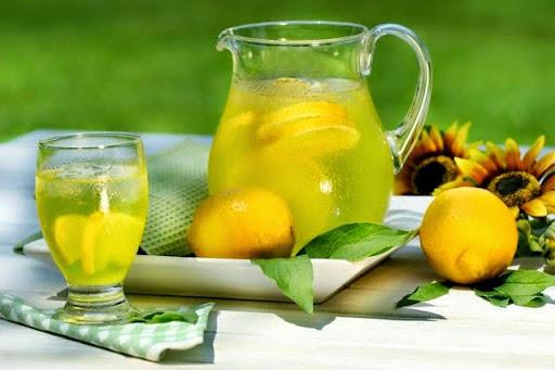 Photo Начинаем Свой День Со Стакана Воды С Лимоном