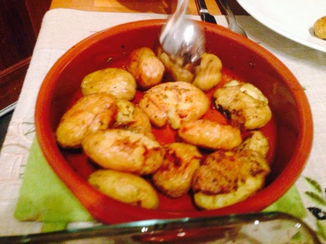 Roast potatoes with Greek herbs