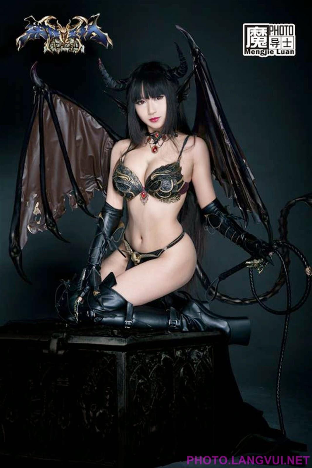 Succubus cosplay nude scene