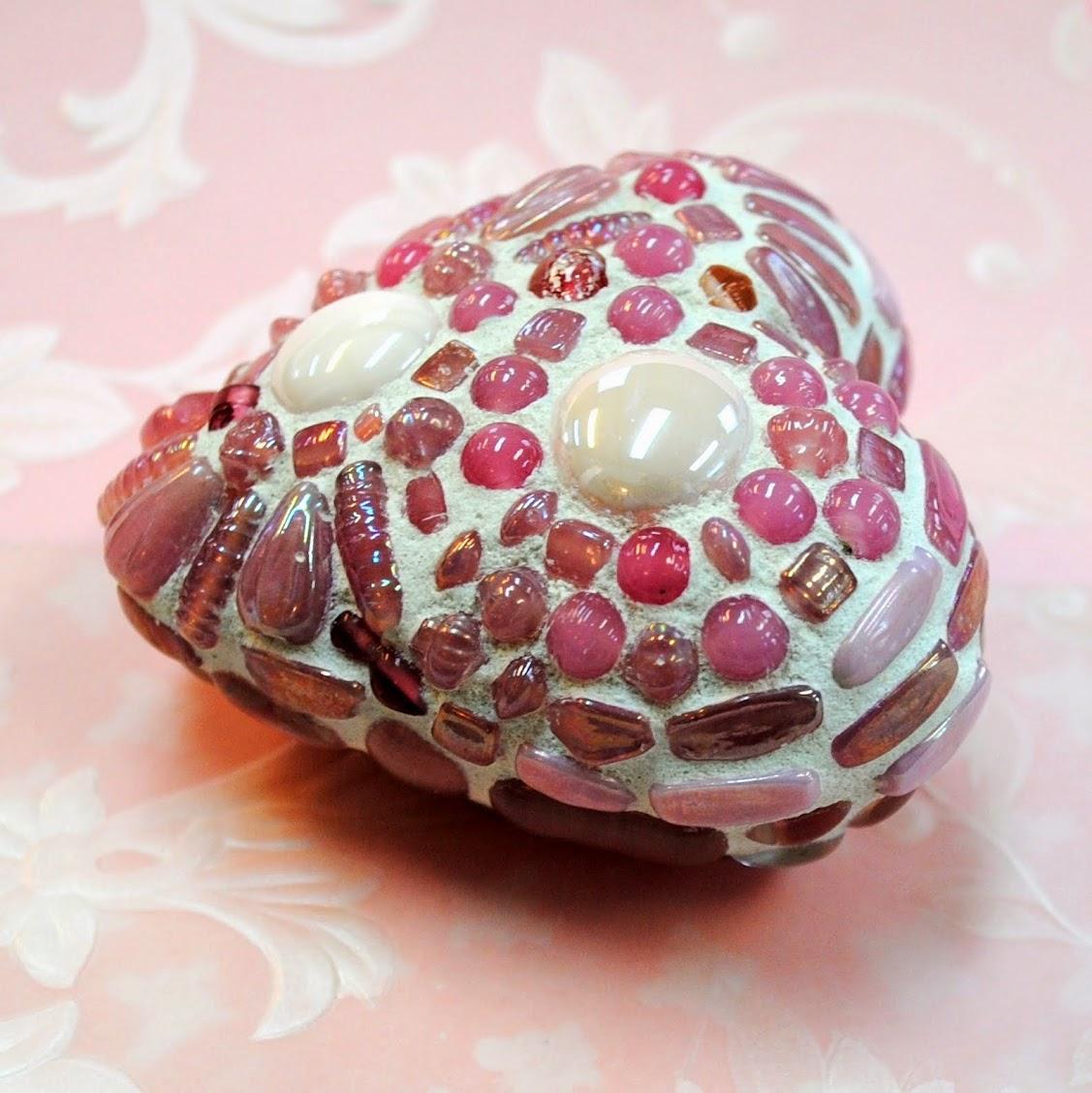 First Blush Mosaic Heart MOO5084