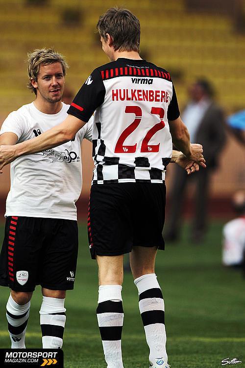 Сэм Берд и Нико Хюлькенберг на благотворительном футбольном матче в Монте-Карло 2011