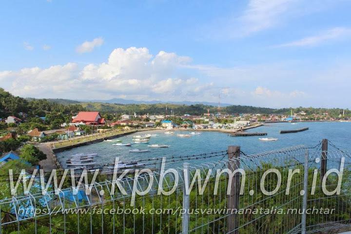 pelabuhan majene dari komplkes makam ondongang