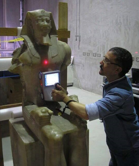 Heritage: Egyptian antiquities experts to restore King Menkawre statue