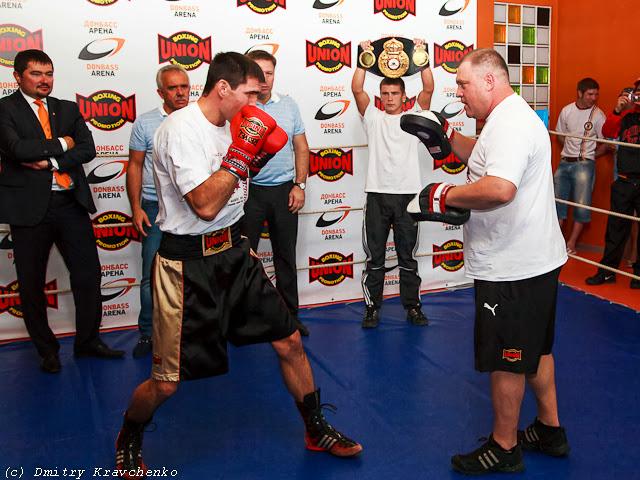 Бокс Каштанов Барбоза