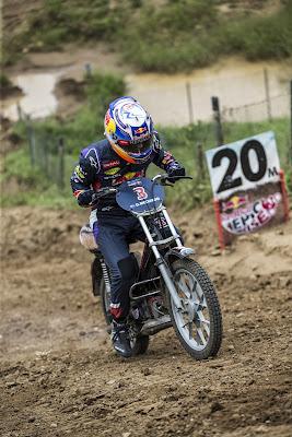 Даниэль Риккардо на мотоцикле 4 сентября 2014