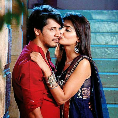 priyanka purohit ayaz ahmed kissing