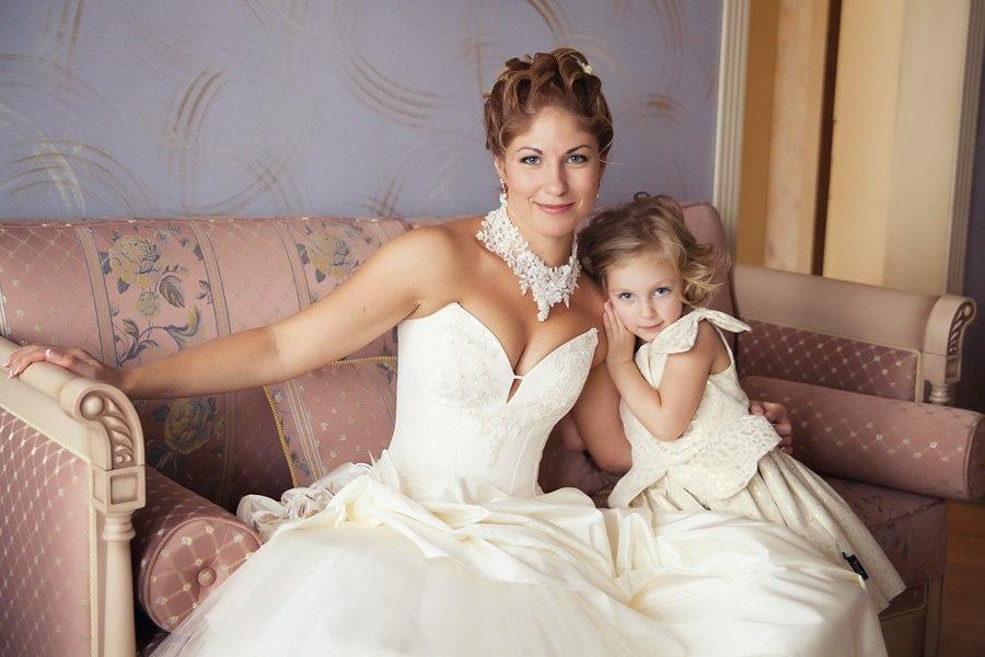 Прическа на свадьбу для дочери невесты
