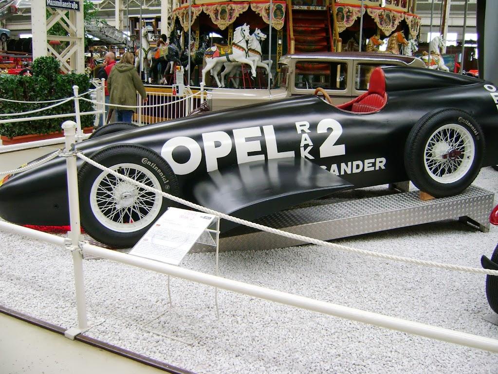 Rennwagen von 1928, Spitze 230km/h. Batman wäre neidisch geworden
