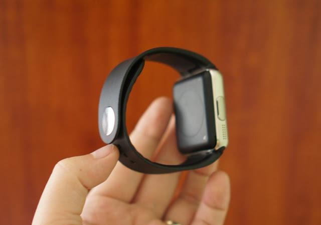 Trên tay đồng hồ thông minh Inwatch B giá 1,2 triệu đồng - 90670