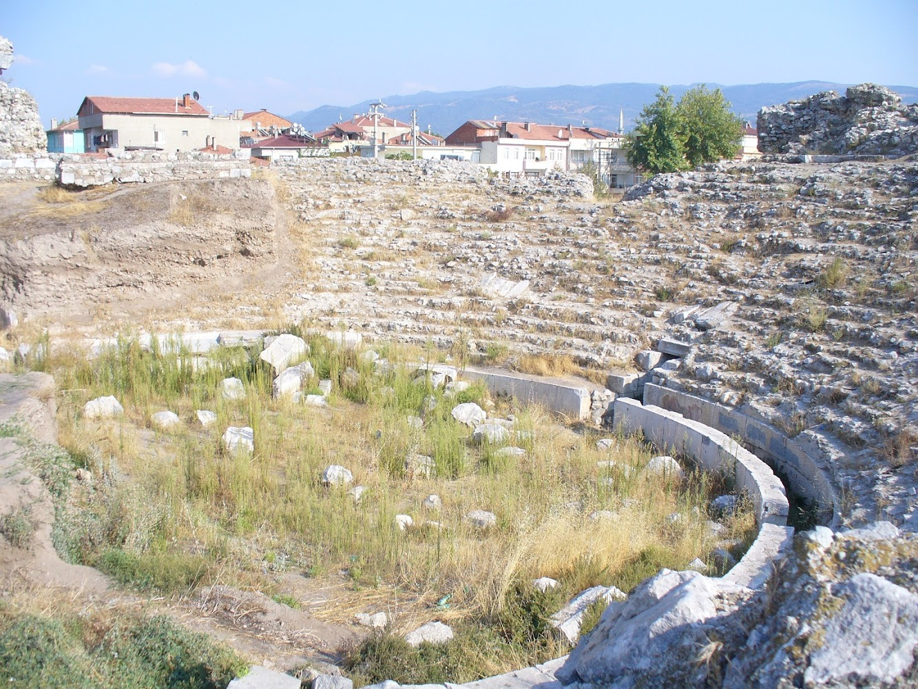Near East: Restoration works at the Roman theatre in ancient Nikaia underway