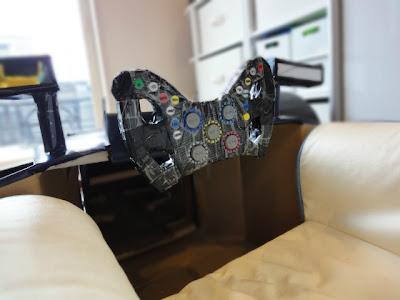 рулевое управление Red Bull RB8 из картона
