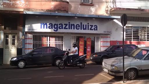 Magazine Luiza Centro de Altinópolis - Loja 242, Rua Doutor Olavo Guimarães, 192 - Centro, Altinópolis - SP, 14350-000, Brasil, Loja_de_aparelhos_electrónicos, estado São Paulo