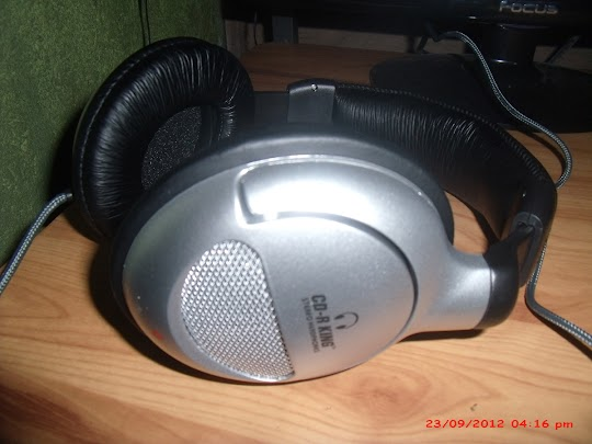 Brand Spanking New CDR-King Branded Stereo Headphones