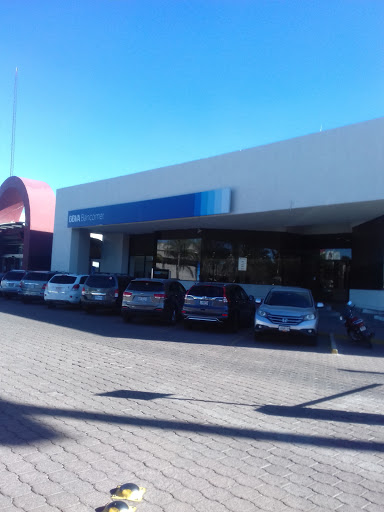 BBVA Bancomer Bosques, Av. Universidad y Sierra de las Palomas, Bosques del Prado, 20120 Aguascalientes, Ags., México, Cajeros automáticos   AGS