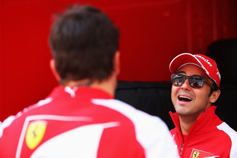 Фернандо Алонсо и смеющийся Фелипе Масса на Гран-при Испании 2013