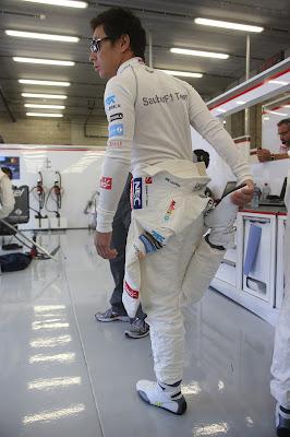 Камуи Кобаяши разминается на Гран-при Бельгии 2012