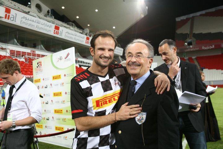Витантонио Льюцци на футбольном матче на Гран-при Абу-Даби 2011