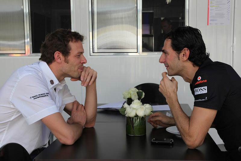 Алекс Вурц и Педро де ла Роса на Гран-при Бразилии 2011