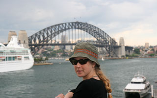 Bronwen in front of The Sydney Harbour Bridge