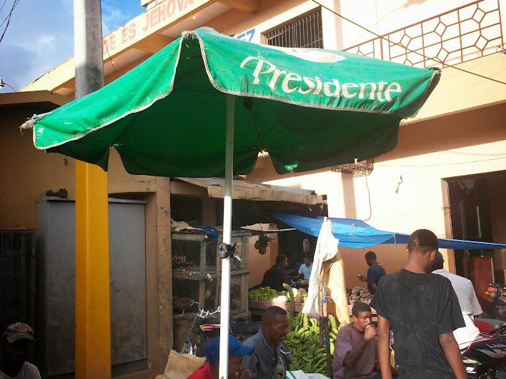 http://lh4.googleusercontent.com/-k3bzWdzdSI0/UnttRY1IW6I/AAAAAAAACkM/2Id5gO95Kao/w708-h531-no/Dominikana_2011+202.jpg