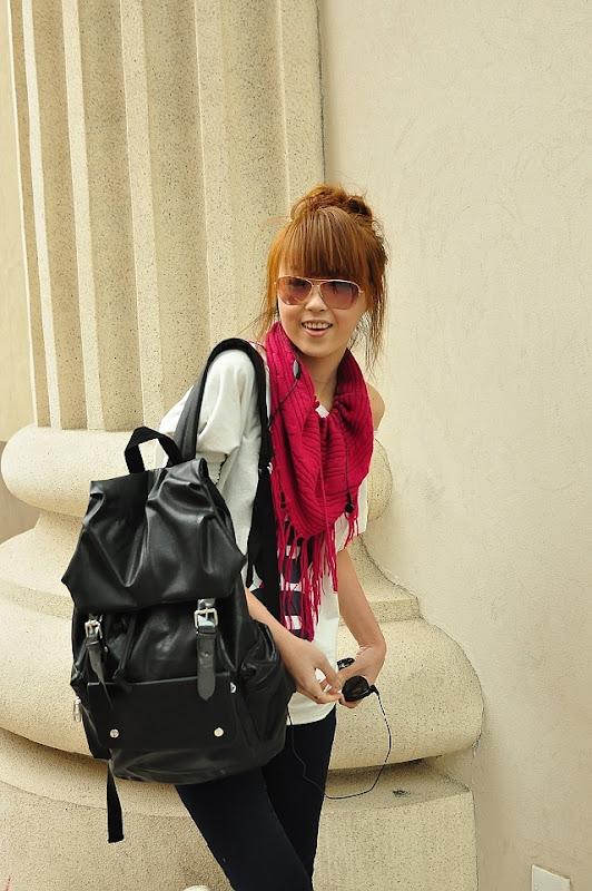 оптом Черный рюкзак корейского стиля.