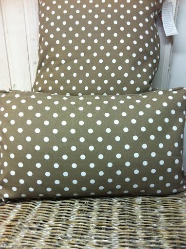 deko kissen taube gepunktet grau braun weiss 35x50cm ebay. Black Bedroom Furniture Sets. Home Design Ideas