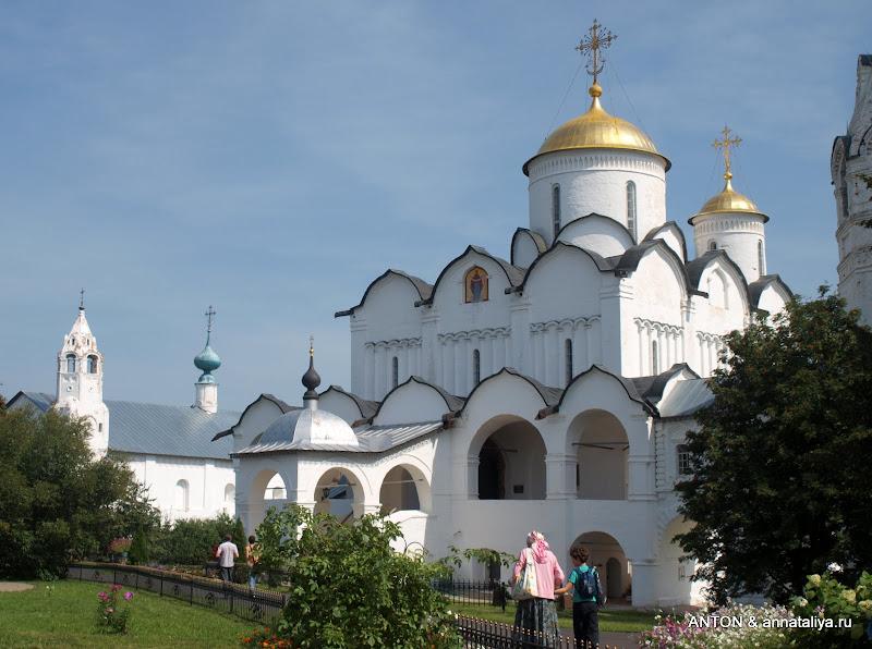 Где находится собор покровский