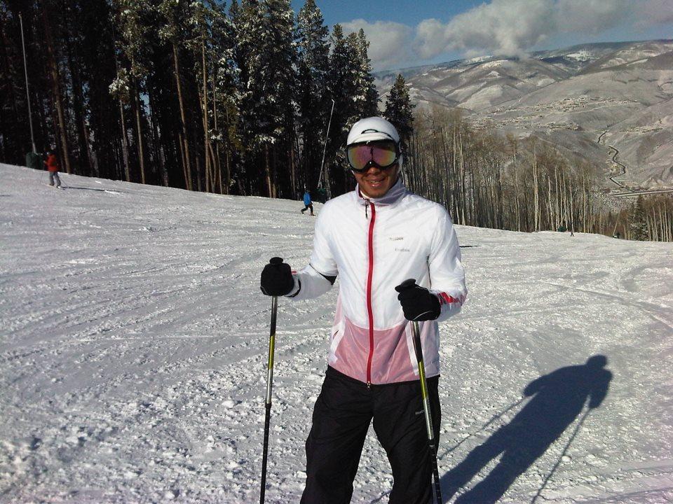 Льюис Хэмилтон катается на лыжах в межсезонье 2011-2012