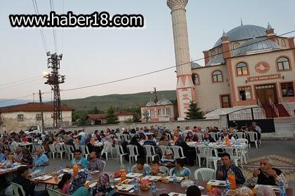 Çankırı  Milletvekilleri Filiz ve Akbaşoğlu iftar sofralarında va