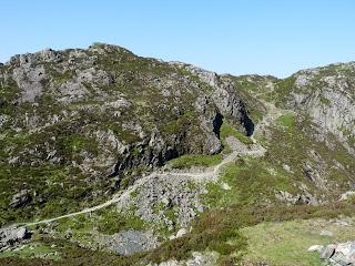 The ridge path ascends once more as we make our way to Innominate Tarn.