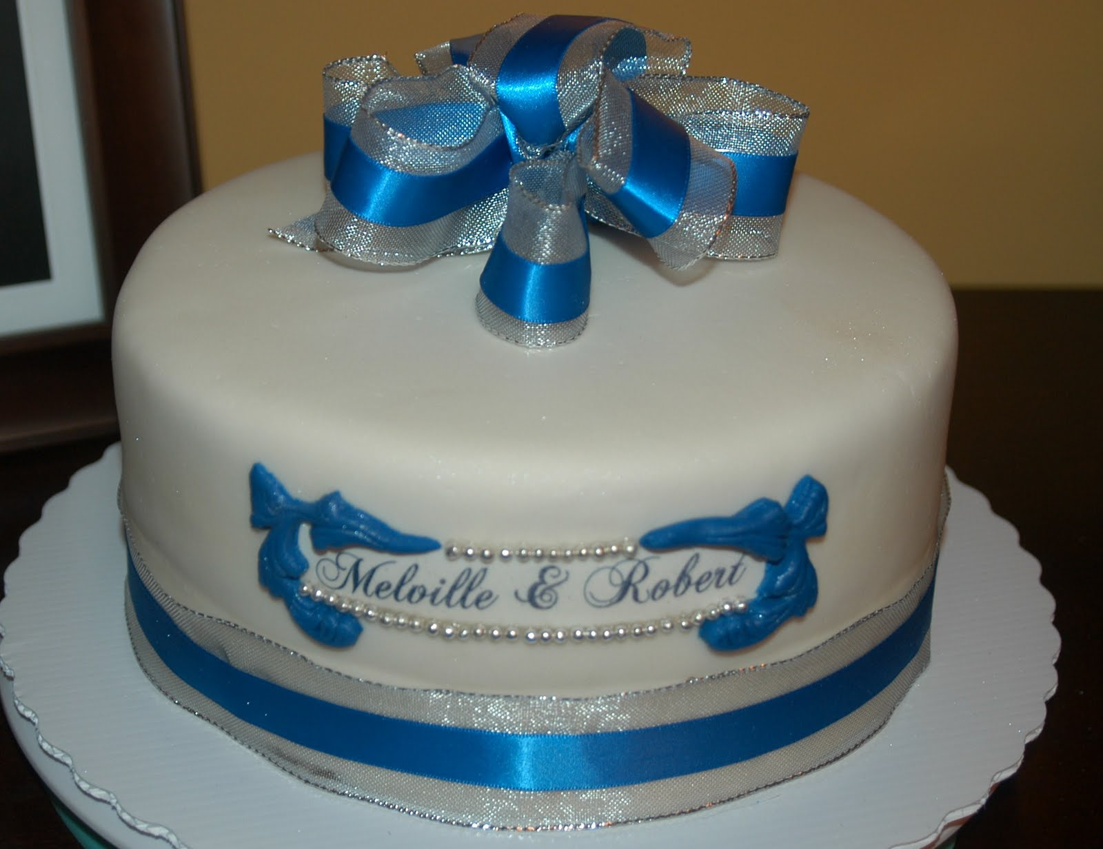 Royal Blue And Gold Cupcakes Viewing Gallery