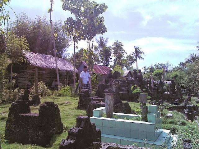 kompleks makam puang towarani tandung polman sulbar