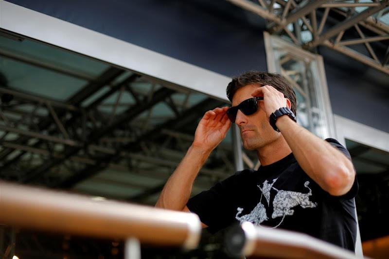 Марк Уэббер в черных очках в паддоке Монцы на Гран-при Италии 2013