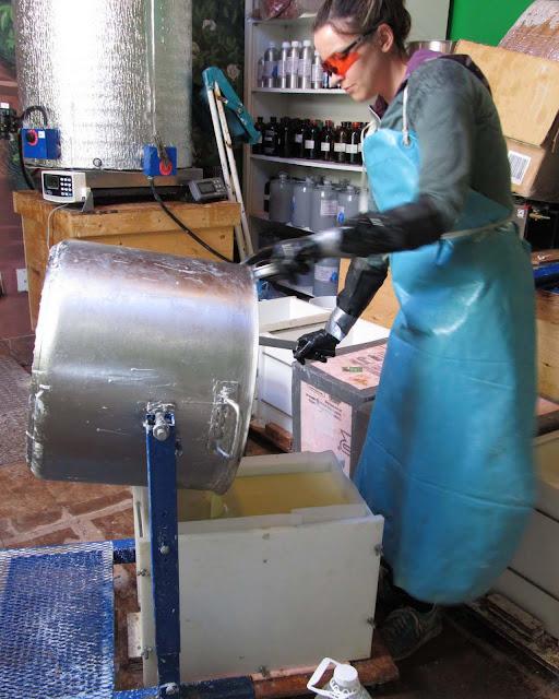 Pouring into a 100Lb Mold 3