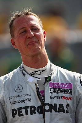 радостный Михаэль Шумахер на Гран-при Италии 2011
