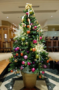 新宿・京王百貨店レストラン街のクリスマスツリー