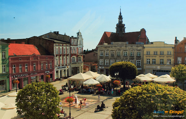Kościerski rynek z okna Muzeum Ziemi Kościerskiej