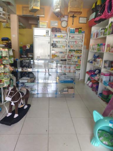 Mundo Animal, R. Geraldo do Prisco, 33 - Centro, Capelinha - MG, 39680-000, Brasil, Loja_de_animais, estado Minas Gerais
