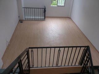 Hình ảnh Sàn nhựa vân gỗ ở lầu 1 nhìn từ trên xuống