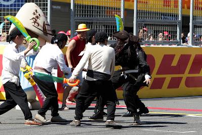 пираты на трассе Сузука на Гран-при Японии 2011