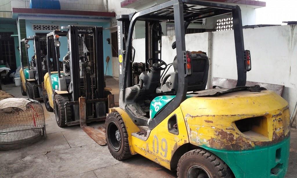 xe nang hang Komatsu