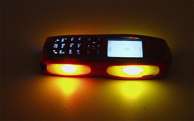 Nokia 3220 bốc lửa cùng vũ điệu hoang dã 1