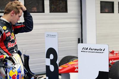 Себастьян Феттель после финиша Гран-при Венгрии 2011 на Хунгароринге