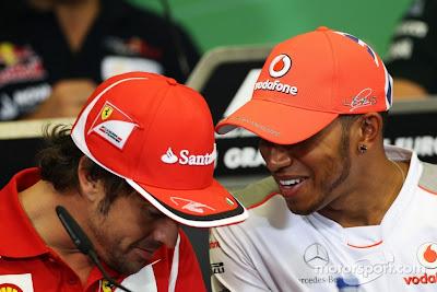 Фернандо Алонсо и Льюис Хэмилтон на пресс-конференции Гран-при Европы 2012 в четверг